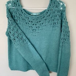 Maurices Sea-foam green crop sweater M